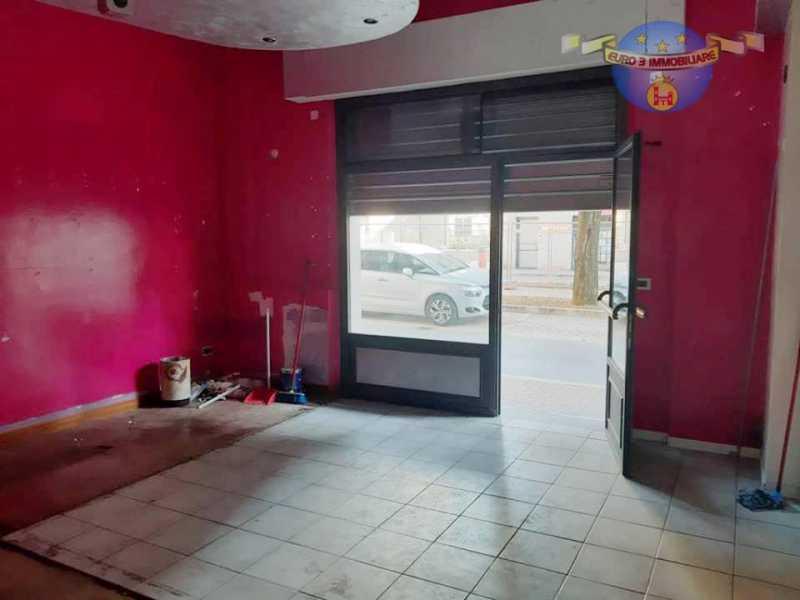 locale commerciale in vendita ad ascoli piceno porta maggiore foto2-103621050