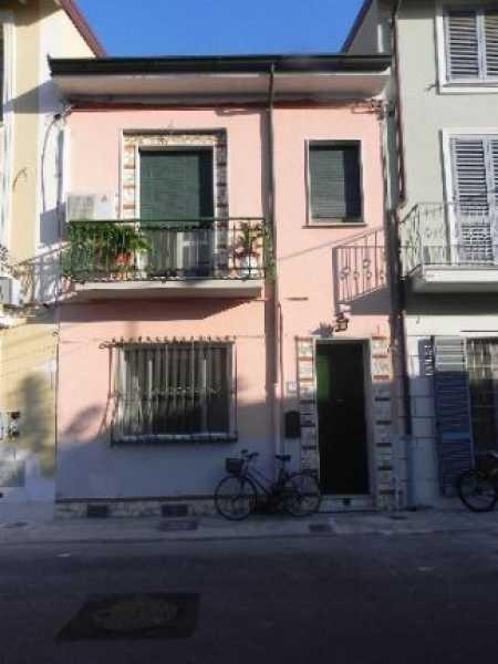 casa viareggio vendesi foto1-14638604