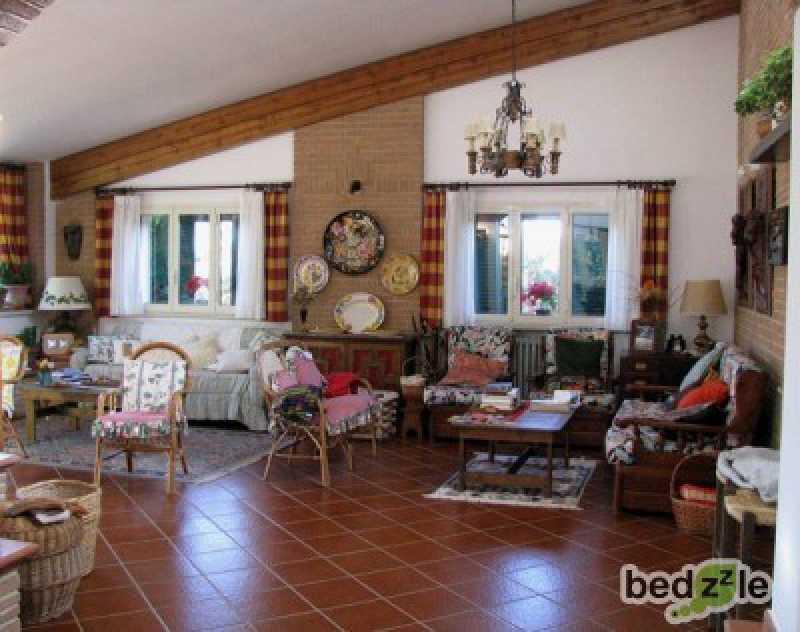 Vacanza in bed and breakfast ad andria strada per borgo tramonto d`oro ss 234 ex ss 170 km 21 300 foto2-26489171