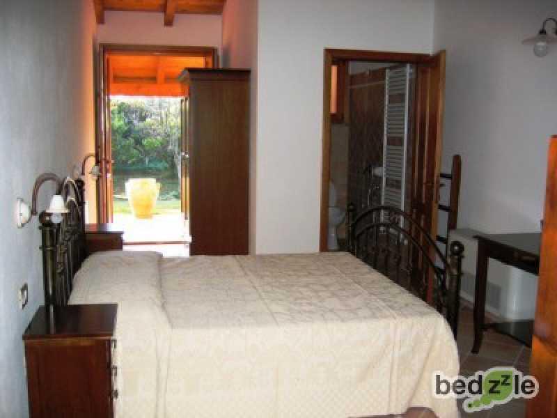 Vacanza in camera d`albergo a soleminis strada statale 387 km 14 700 foto3-26489553