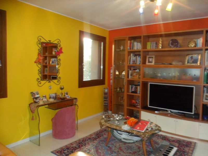 villa o villino in vendita a caldogno via stadio foto2-56815823