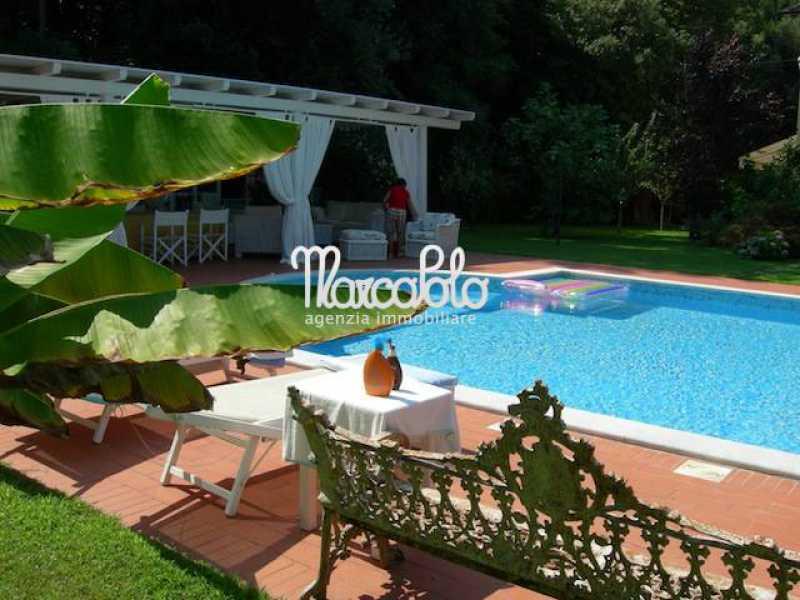villa singola in affitto a montignoso via verdi foto2-57518400