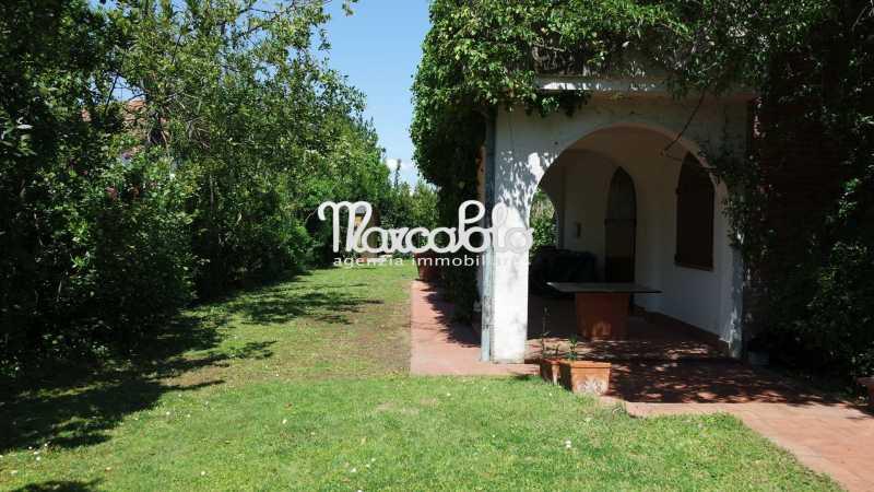 villa singola in affitto a forte dei marmi via allende foto3-57518403