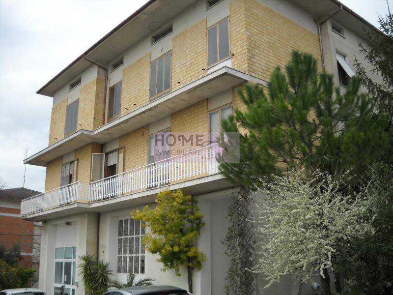 casa indipendente in vendita a mogliano c da poggio foto3-57526530