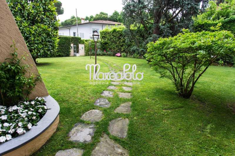 villa bifamiliare in affitto a forte dei marmi via xx settembre foto2-58041182