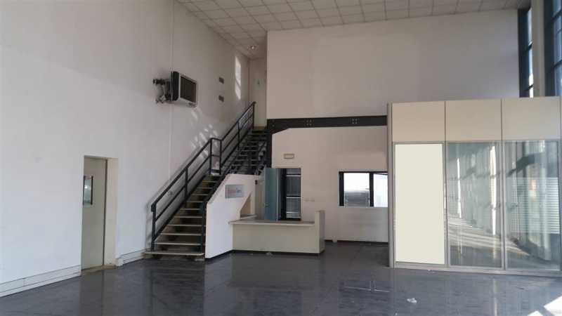 capannone in affitto a calenzano foto2-60632911