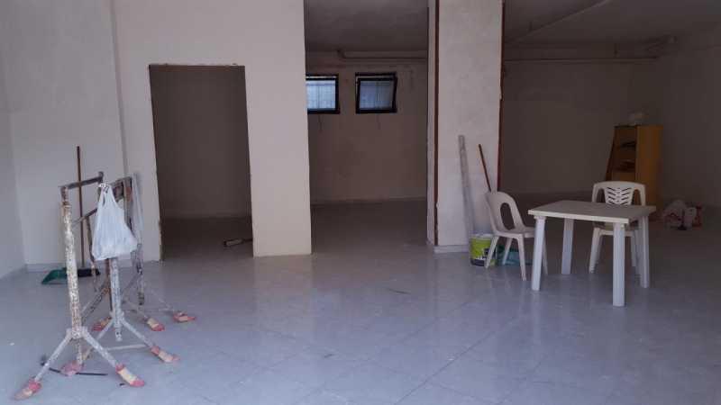 cerco locale commerciale in napoli quarto foto1-61265944