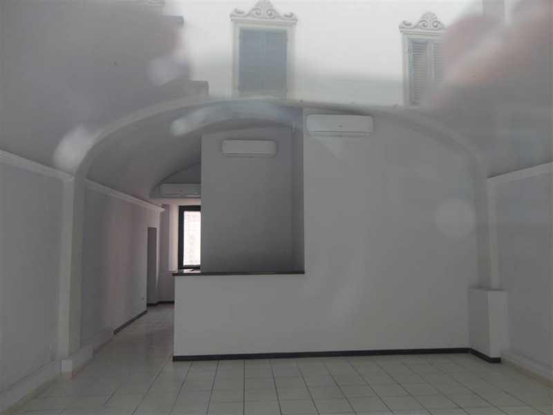 Affitto locali con canna fumaria pag 2 cercasi for Cercasi locali in affitto