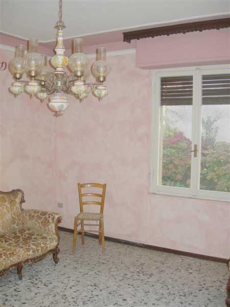 casa semi indipendente in vendita ad isola sant`antonio foto2-73225235
