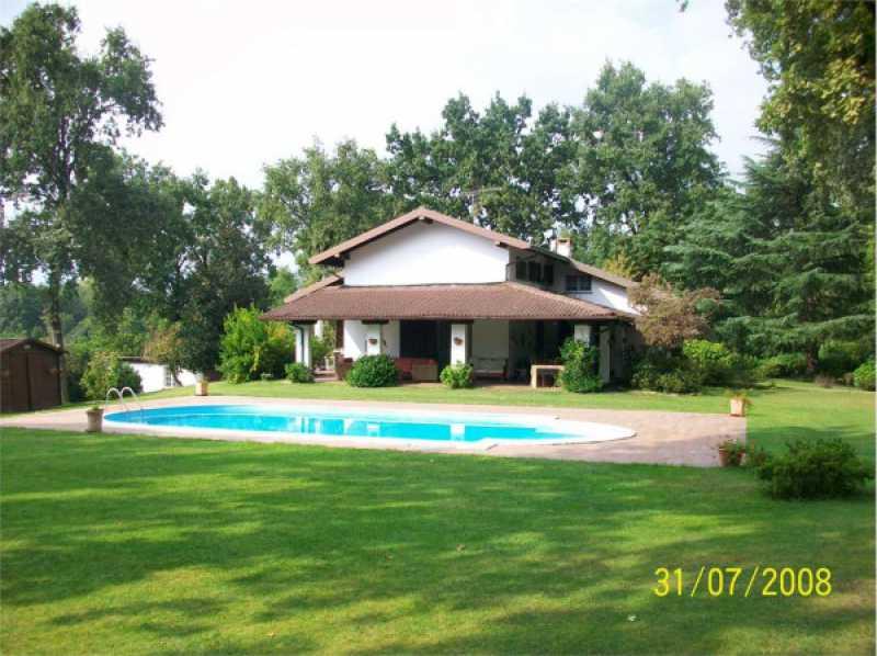 villa in affitto ad agrate conturbia via gallone 2 foto1-73711621