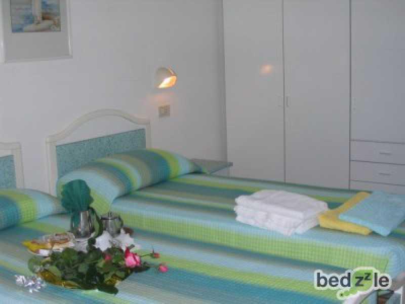 Vacanza in camera d`albergo a gabicce mare via machiavelli 1 foto3-74116742