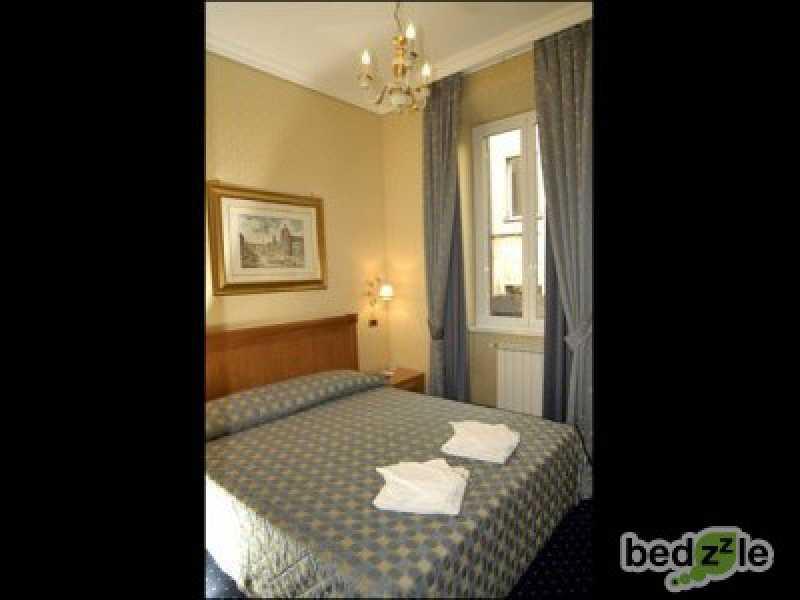 Vacanza in camera d`albergo a roma via andrea doria 36 foto3-74117103