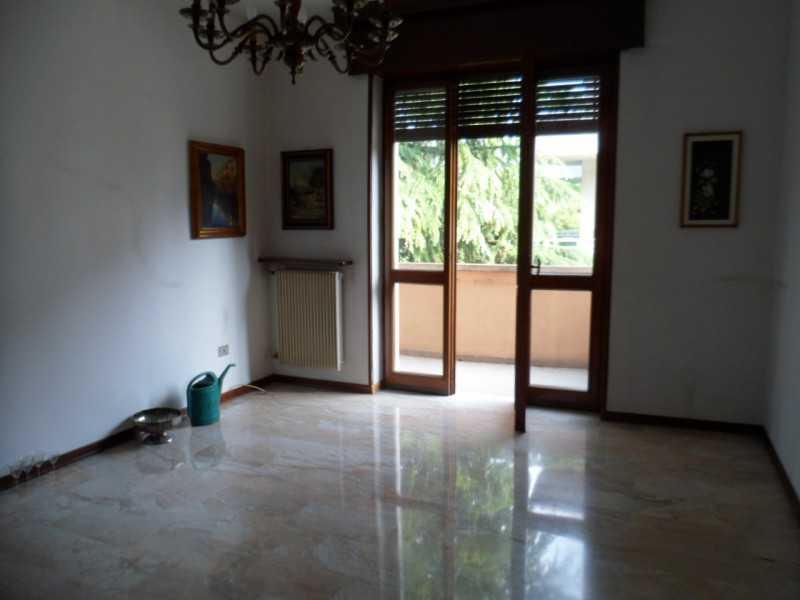 vendita stanza italia con giardino foto1-74269586