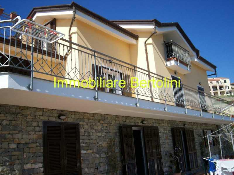 villa o villino in vendita a sanremo via p semeria foto3-74270251