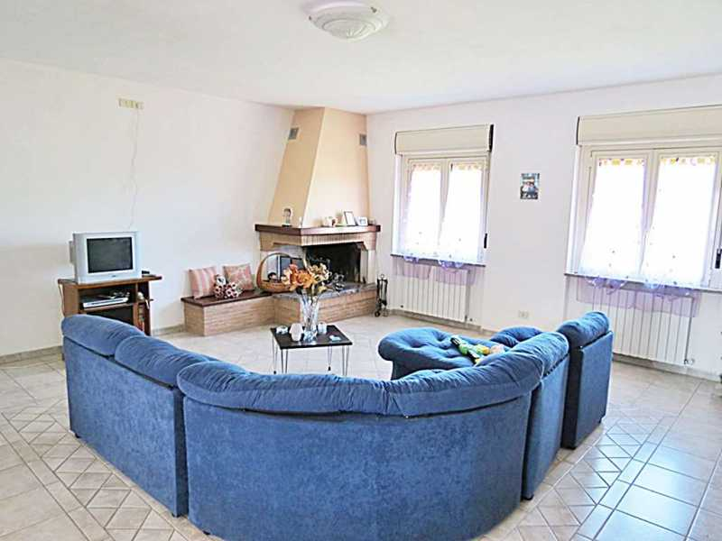villa in vendita a baschi località morre foto2-74557473