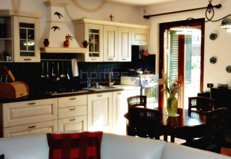 casa indipendente in vendita a grottazzolina via monti sibillini foto3-78212038