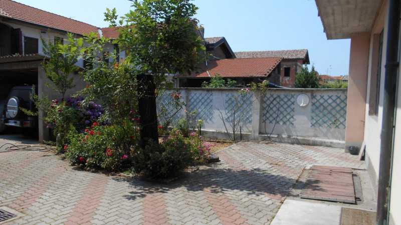 casa indipendente in vendita a castano primo castano primo centro foto2-78759480