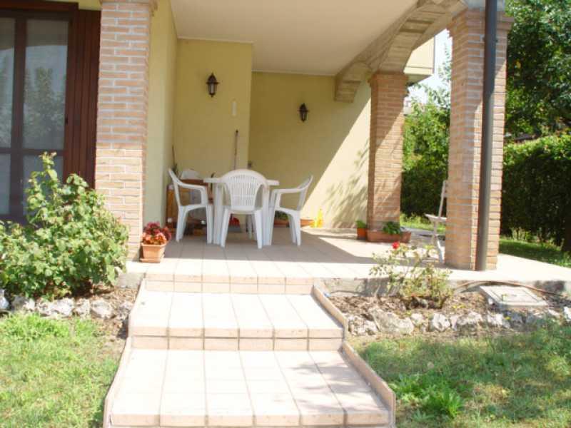 villa singola in vendita a salerano sul lambro via montale foto2-79347499