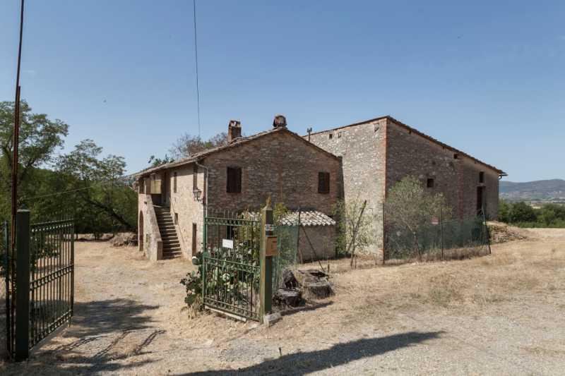 rustico casale corte in vendita a corciano via camillo benso cavour 62 foto9-79635301
