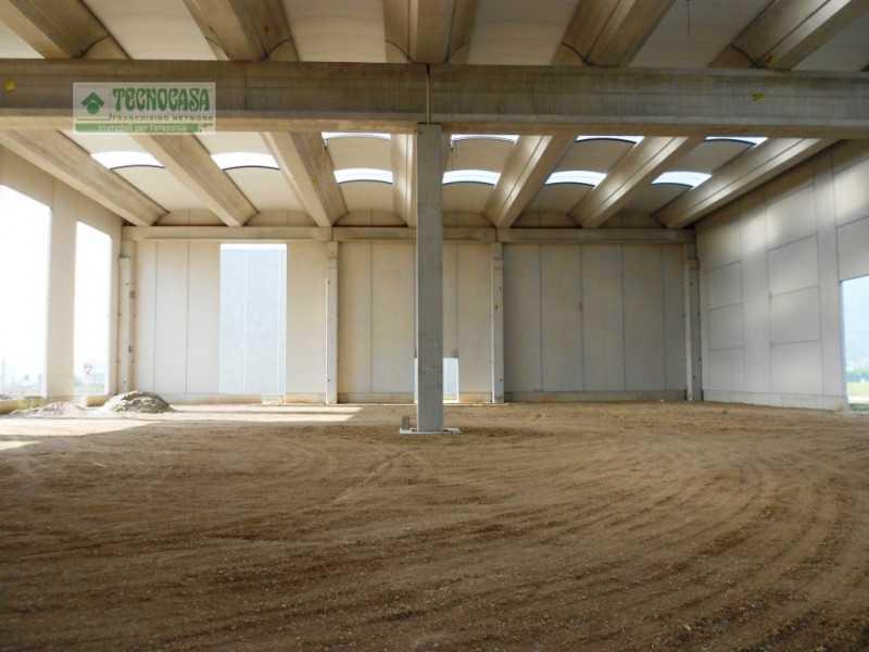 capannone in vendita a caprino veronese circonvallazione bran foto3-81396301