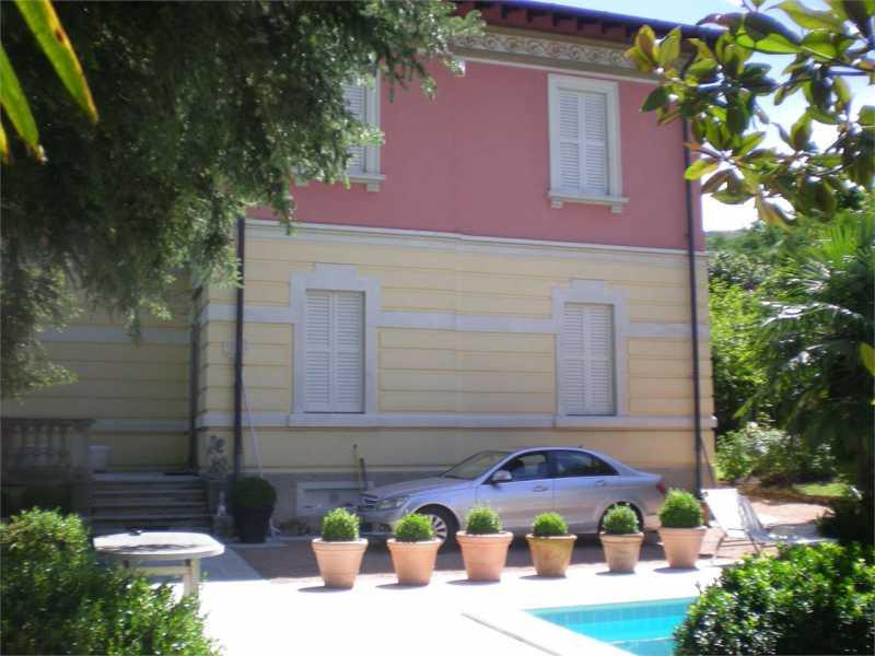 villa in vendita a lavena ponte tresa via zanzi 6 foto2-91923603