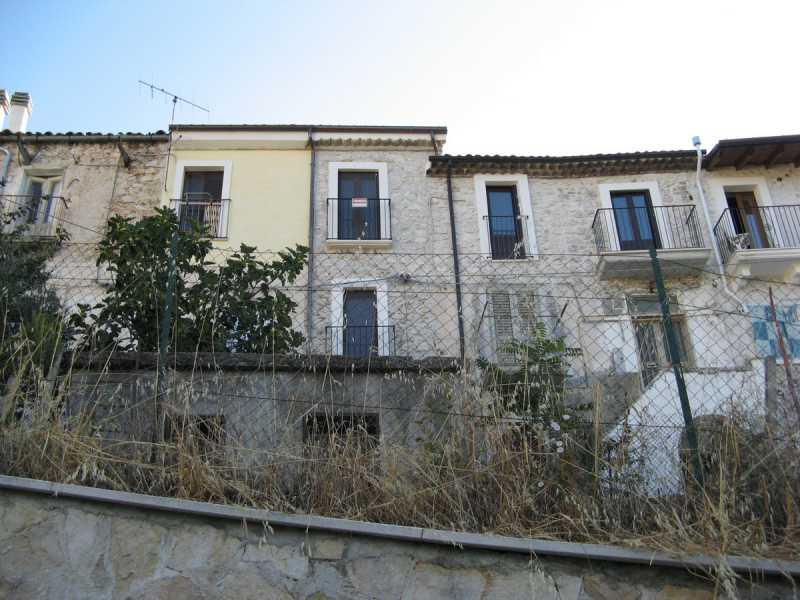 casa indipendente in vendita a roccacasale via emilio patrizi foto4-93067651