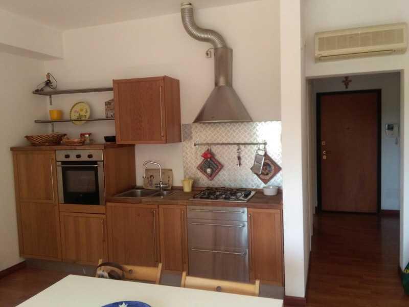 Affitto appartamento in livorno zona accademia for Case livorno affitto