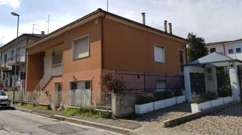 vendita case marche da ristrutturare foto1-96211651