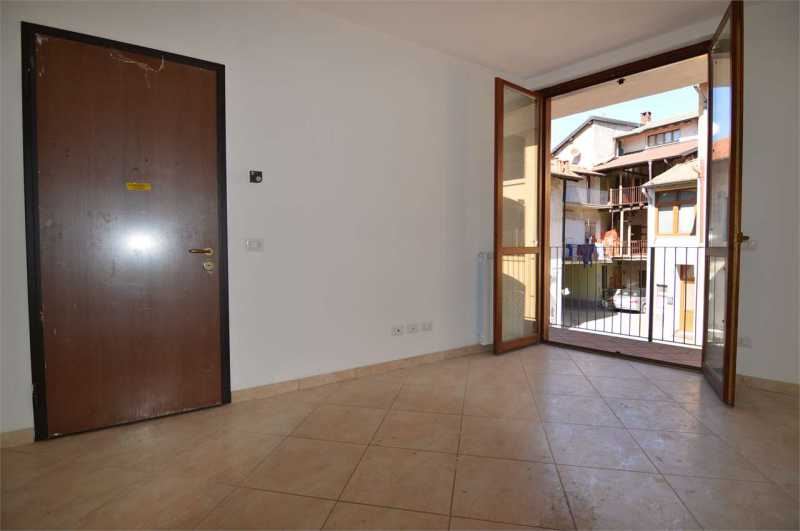 appartamento in vendita a fenegrò via moro da fenegrò foto2-97652102
