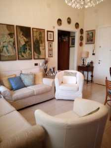 Appartamento in Vendita a Genova via Dei Landi