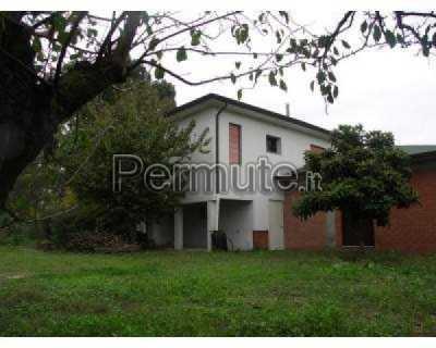 Rustico Casale Abitazione Tipica in Vendita a Latina Strada del Saraceno 46