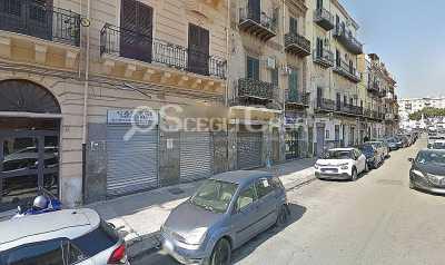 Locale Commerciale in Affitto a Palermo via Noce Noce