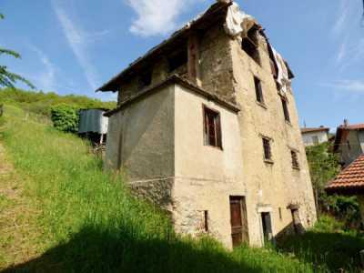 Rustico Casale in Vendita a Dongo Strada Provinciale Per Garzeno