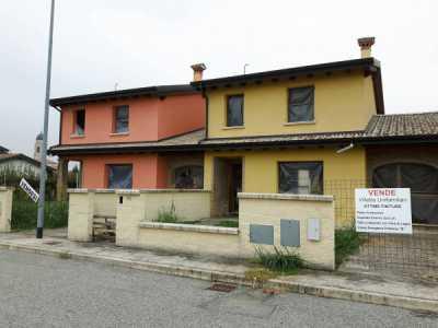 Villatta a Schiera in Vendita a Torricella del Pizzo via Guido Rossa