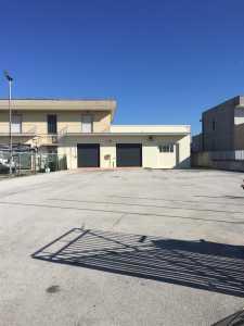 Locale in Affitto a Pordenone, Industriale
