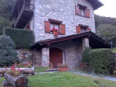 Villa in Vendita a Sparone via Olivetti 21