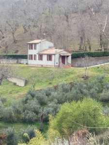 Villa Singola in Vendita a Castelnuovo di Val di Cecina