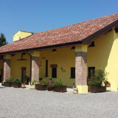 Albergo Hotel in Vendita a Merlino