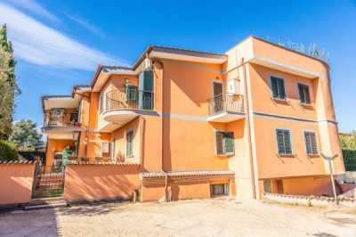 Appartamento in Vendita a Frascati via Dell