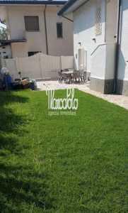 Villa Bifamiliare in Affitto a forte dei marmi via p.i. da carrara