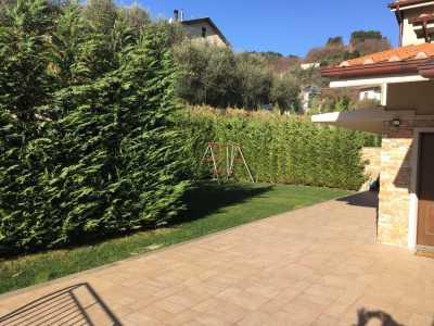 Villa a Schiera in Vendita a Pistoia Zona Ovest