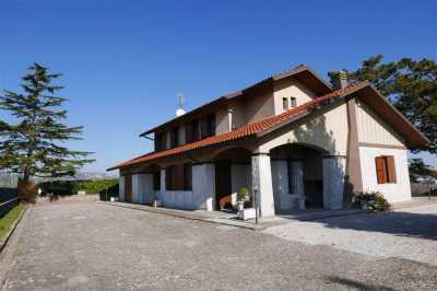 Villa Singola in Vendita a Montefiascone