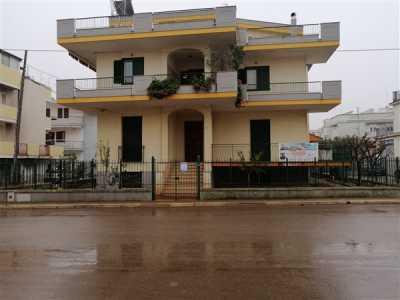 Villa in Vendita a Palo del Colle via Madonna della Stella 36