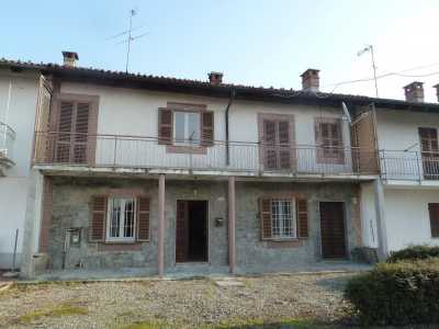 Villa a Schiera in Vendita a Camino Vicolo Serrone Camino