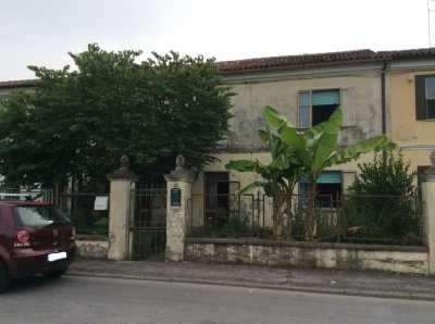 Casa Indipendente in Vendita ad adria via chieppara 59