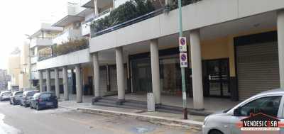 Locale Commerciale in Vendita ad adelfia canneto