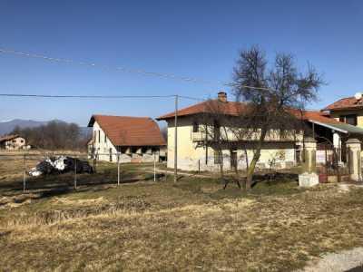 Rustico Casale in Vendita a Cuneo via San Bernardo