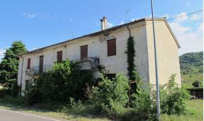 Casa Indipendente in Vendita a roncà via moschina 17/19/21