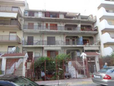 Appartamento in Vendita a Marina di Gioiosa Ionica via Europa