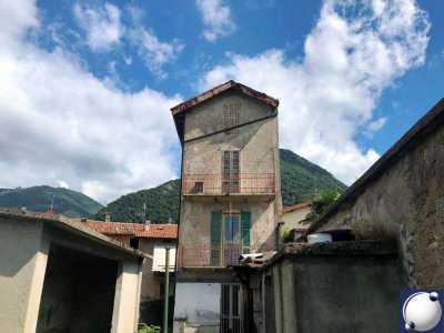 Stanze in Vendita a Castelmarte